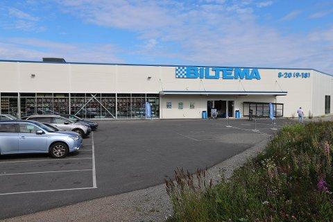 STRID: Flere har hevdet at Biltema har avvist kunder som ikke har brukt munnbind. De avviser anklagene.