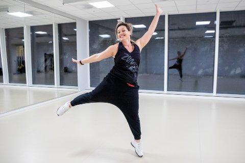"""ELSKER Å VÆRE ZUMBAINSTRUKTØR:  Adriana Cvitanovic har opprettet foretaket """"Adriana Zumba"""" og er instruktør på Bølgen Bad & Aktivitetssenter i Drøbak."""