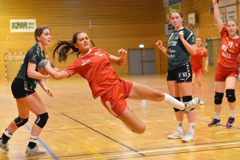 STANSER KAMPENE: Hedda Askautrud og resten av spillerne på DFI Håndball får fort tiden ikke spille kamper.