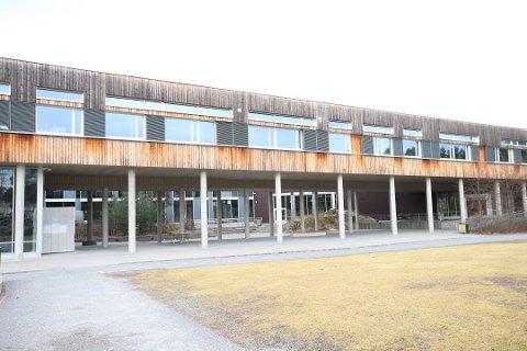 200 I KARANTENE: 200 av Tangenåsen ungdomsskoles 278 elever er nå i karantene.