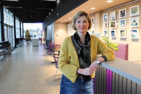 Enhetsleder kultur og frivillighet, Hanne Løkka, forteller at kommunen har flere digitale tilbud for biblioteket.