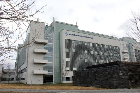 Ahus sier at det kan bli aktuelt å ta imot hjelp fra andre sykehus. Nesten alle intensivplassene er nå tatt i bruk.