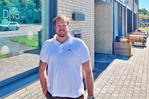 Joachim Norum Larsen i Dnb Eiendom Drøbak har opplevd en sommer utenom det vanlige, med blant annet et hyttesalg som har overgått alle tidligere rekroder.