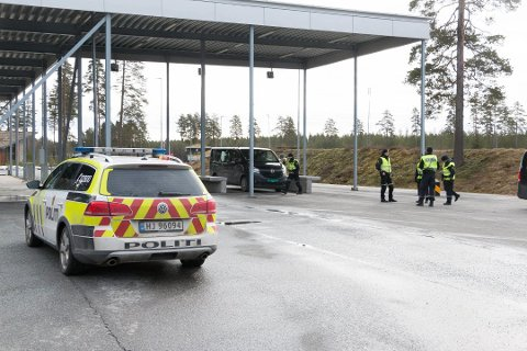 Grensen mellom Norge og Sverige på Magnormoen. Foto: Per Håkon Pettersen