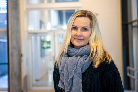 Kommuneoverlege på Nesodden Liv B.T. Hagen er i kontakt med de tre nesoddingene som har vært om bord på Hurtigruten. Foto: Tor-Arne Dunderholen