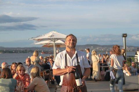 Restauratør Dag Tjersland i Signalen Sjøbad har jobbet målrettet sammen med de ansatte for å gi gjestene en optimal opplevelse. Foto: Staale Reier Guttormsen