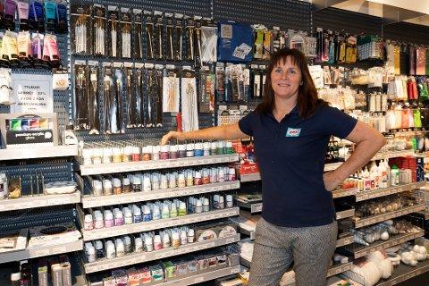 STORE TAP: Aina Jacobsen driver to lekebutikker som nå ikke får holde åpent. FOTO: Arkiv