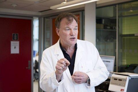 Elling Ulvestad er avdelingsleder ved mikrobiologisk avdeling på Haukeland.