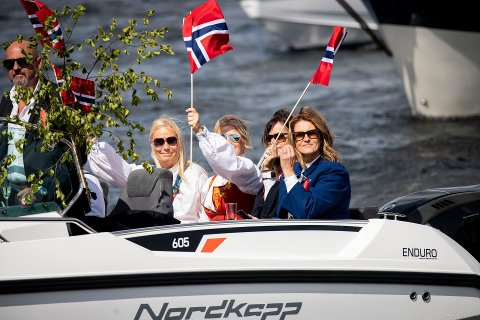 Under fjorårets spesielle 17.mai-feiring var det oppholdsvær i Drøbak og på Nesodden. Hvordan været blir i år er fortsatt høyst usikkert.