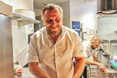 Det blir en hektisk uke for Dag Tjersland, som skal åpne tre Oslo-restauranter og samtidig jobbe på Signalen Sjøbad på Nesodden.