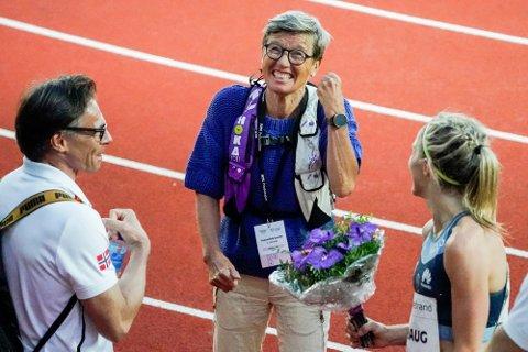 Ingrid Kristiansen er et kjent navn innen friidretten. Her er hun sammen med Therese Johaug under Impossible Games 2020 på Bislett. Foto: Lise Åserud/Scanpix