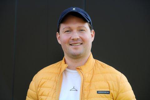 Mangemillionær: Sebastian Samuelsen er 28 år og har allerede oppnådd drømmen om å bli rik. Han har svimlende 140 millioner kroner i formue etter å ha investert i kryptovaluta. Foto: Marianne  Stene