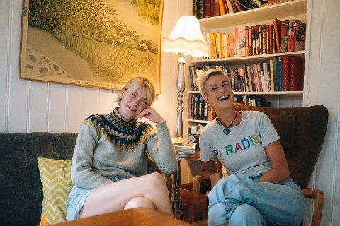 For Vilde Mittet Austad (24) og Pia Mittet er det viktig å ha en tilværelse de trives med, og ikke bare glede seg til ferien.