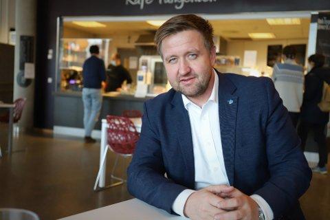 TAR ALL SKYLD: Ordfører Truls Wickholm på Nesodden tar all skyld for at han 13 dager i oktober 2017 fikk både etterlønn fra Stortinget og lønn som ordfører.