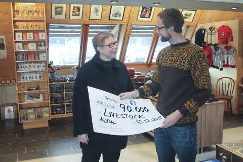 Fantastisk: Audun Lutnæs jobber til daglig ved Aukrustsenteret, torsdag fikk han æren av å motta 90 000 kroner fra Gjensidigestiftelsen på vegne av Livestock.Alle foto: Trond Findahl