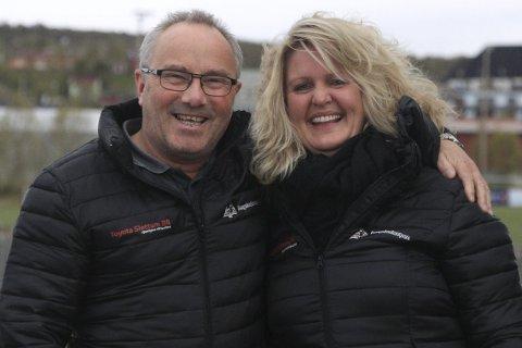 KLAR FOR BERGSTADCUPEN: Ove Indet (sportslig leder) og Mona Slettum (leder i hovedkomiteen) ser fram mot nok en Bergstadcup på Røros. Foto: Henning Smedås