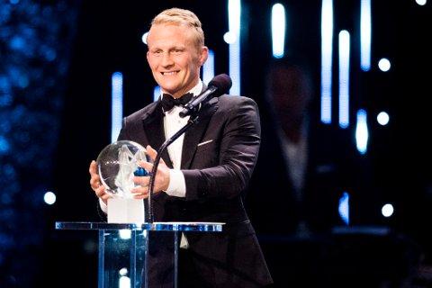 Bryter Stig-André Berge mottar prisen Årets navn under Idrettsgallaen 2017 i Hamar OL-amfi lørdag kveld. Foto: Jon Olav Nesvold / NTB scanpix