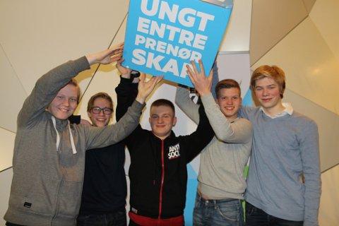 Team Elektro under NM i Innovasjon, fra venstre: Tordar Kjøllegaar, Tage Nyrønning, Karol Sobczyk, Emil Neslund Samuelshaug og Eivind Rønning.