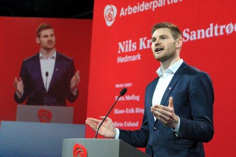 FRA TYNSET: Nils Kristen Sandtrøen snakket om arbeidslivet da han gikk på talerstolen på landsmøtet til Arbeiderpartiet.