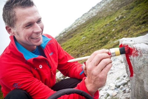 EN AV MANGE: Torbjørn Sund fra Gjøvik er en av mange som bruker fritiden sin på dugnadsarbeid for DNT.