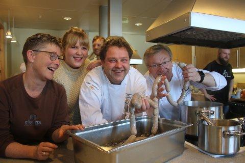 Marit Evanger i Rørosmat, prosjektleder Olin Stensvik, bondelagskokk Nils- Henning Nesje og matinspirator Gunnar Nagell-Dahl innledet et nytt lokalmatprosjekt med kreativt matverksted og kokkekamp.
