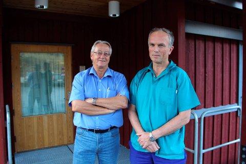 I seks uker skal fastlegene på Røros delta i et forskningsprosjekt hvor de spør pasientene om privatøkonomien. Fastlege Per Arne  Gjelsvik (t.h) presiserer at all registrering skjer anonymt.