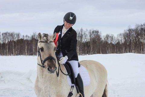 Elin Grindvoll Gransletten med Leridals Birks fra Nord-Østerdal hestesportsklubb vant LB dressur.