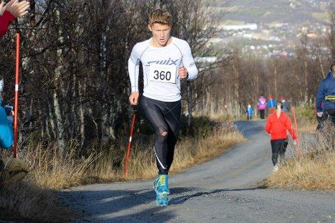VINNER: Førstemann opp til Skistuggu i fjorårets løp var Magnus Fjerdingen Moan. Han skal ikke delta i år på grunn av en kneskade.