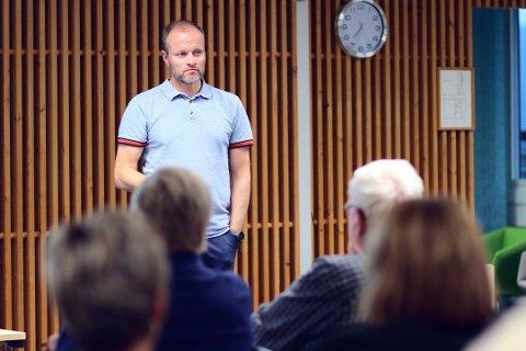HØYERE LØNN MÅ TIL: Helse- og omsorgssjef Øystein Kyrre Johansen i Tynset kommune er klar på at det må ekstra goder til for å hente sjukepleiere til kommunen.