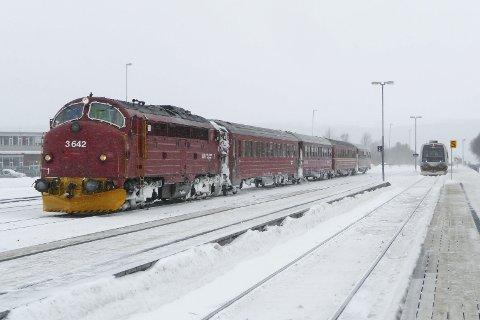 FRA ARKIVET: En veteran på jernbanen fra den gang da NSB var NSB. Arkivbilde