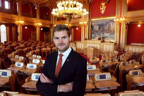 Vil redde trafikkstasjon: Stortingsrepresentant Nils Kristen Sandtrøen (Ap). (Arkivfoto)