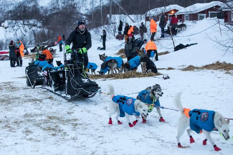 Petter Jahnsen lå lenge an til å kjempe i toppen av Finnmarksløpet før han brøt torsdag. Nå er Finnmarksløpet stoppet på grunn av restriksjonene ved coronautbruddet.