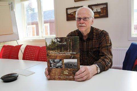 VIKTIG HISTORIE: Asbjørn Ryen har dokumentert viktig historie om kølbrenning, kølkjøring og bosetting fra Narjordet mot Drevsjø.