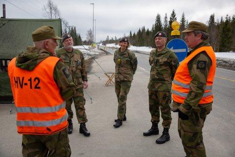 Jens Christian Junge (nummer to fra høyre) er nye sjef i HV-12