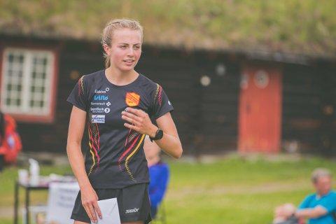 GULL-JENTE: Fredag kveld vant Ingeborg Østgård, her avbildet under Hummelfjelldilten 2020, gull i Ungdomsmesterskapet i friidrett på 3.000 meter.