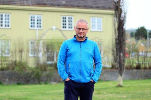 MANGE VIL HA: Når rådgiver i Alvdal kommune, Ole Sylte Heggseth, skal innstille på hvem som skal få av de ekstraordinære midlene i næringsfondet har han mange søknader å velge mellom.