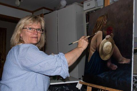 KLAR FOR GRIMSBU: Kommende lørdag, 19. juni, åpner Irene Steien Nilsen sin maleriutstilling ved Grimsbu Turistsenter.
