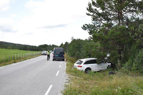 Politiet melder om store materielle skader, men ingen alvorlige personskader.