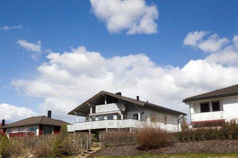SOLGT: Stiftelsen Kirkens Sosialtjeneste kjøpte Glimmerveien 4 i Åstidligere i år med tanke for å etablere et barnevernstiltak i boligen. Nå har de solgt huset videre.