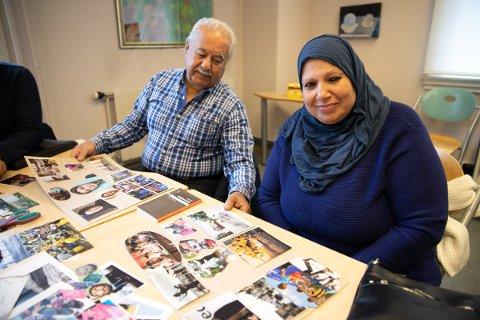 UTTRYKKER SEG I BILDER: Ekteparet Anwar og Aeda fra Palestina har blitt med i det skapende felleskapet og kommuniserer med andre ved hjelp av bilder.