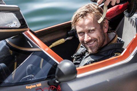 PASSIENT: Det er i racerbåten vi er vant til å se Pål Virik Nilsen, men i høst har han inntatt en helt annen rolle etter at han ble diagnostisert med kreft.