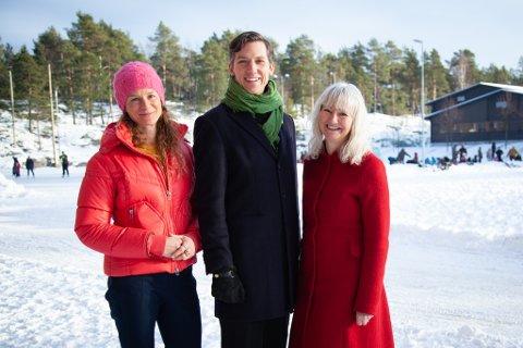 LISTETOPP FRA ÅS: Kristoffer Robin Haug (midten) fra Ås er listetopp for Viken MDG til fylkestingsvalget. Her flankert av Hanne Lisa Matt og Benedicte Lund som også står på valglista.