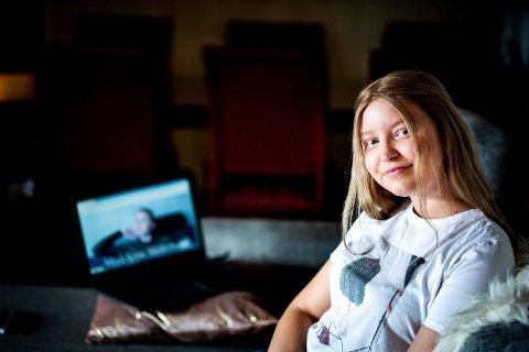 VIL HJELPE ANDRE: Madeleine Skillebekk håper bloggen hennes kan bidra til å gjøre det lettere for andre unge med kreft.