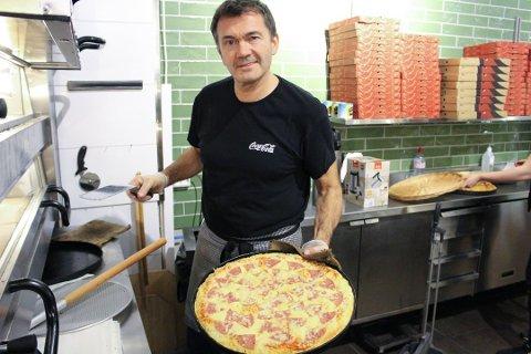 PIZZA SELGER: Satsingen på pizza er vellykket, sier Tomm Munthe i Piece of Pizza på Vinterbro senter