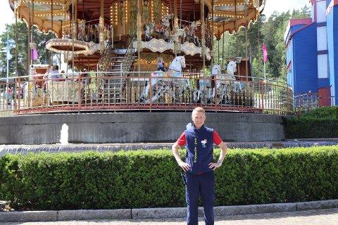 ELSKER JOBBEN: Bjørn Håvard Solli har jobbet som parkdirektør i Tusenfryd siden 2010, og har ingen planer om å slutte med jobben han elsker med det første.