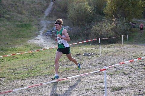 NESTEN PALLEN: Ole Jacob Solbu på vei mot fjerdeplass på terreng NM. Han måtte slippe medaljevinnerne etter to av totalt 4 km.