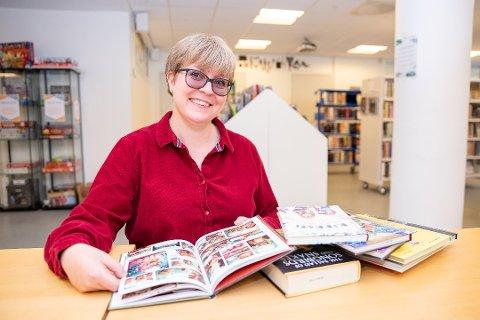 LIKER BØKER OG ÅS: Helene Fagerhus, bibliotekar ved Ås bilbiotek.