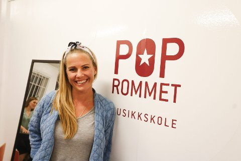 FORNØYD: Venke Knutson er strålende fornøyd med mottakelsen Poprommet har fått i Ås.