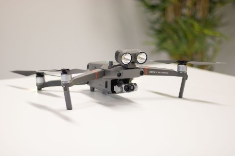 INVADERENDE: Kvinne som solet seg naken på egen terrasse frykter at hun ble filmet av drone.