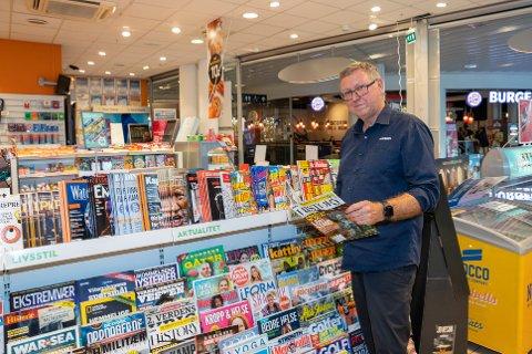JUBILANT:  Jeg blir nok her til jeg blir pensjonist, sier franchisetaker Bjørn Simonsen i Narvesen.
